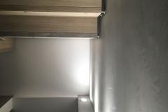 mikrocement na ścianie